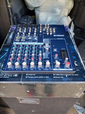 YAMAHA MX82-CX MIC 🎤 MIXER WITH EFECTS for Sale in San Diego, CA