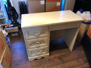 Good sturdy desk (not cheap ikea) for Sale in Spring Valley, CA