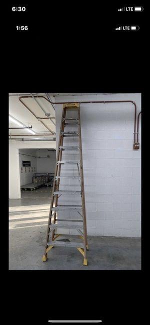 Ladder aluminum 10-12 f for Sale in Aventura, FL
