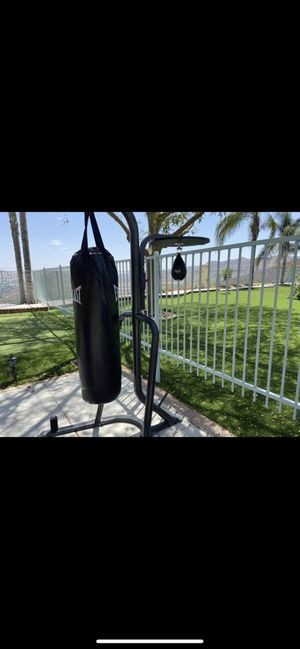 Punching bag with stand for Sale in Menifee, CA