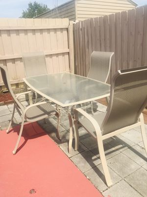 aluminum patio set 4 chairs and table good condition for Sale in Port Richey, FL