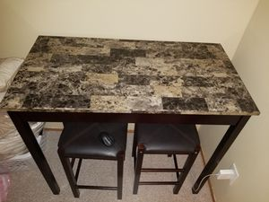 Table set with bar stool chairs for Sale in Staten Island, NY