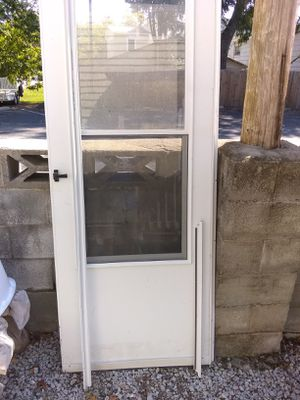"32""Storm Door for Sale in New Bern, NC"