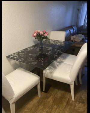 Comedor de vidrio con 4 sillas for Sale in Auburn, WA