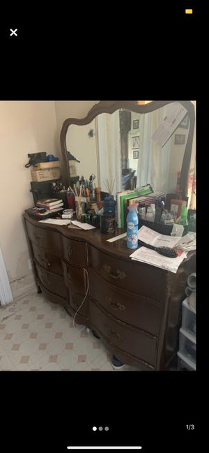 Vintage dresser with mirror for Sale in New York, NY