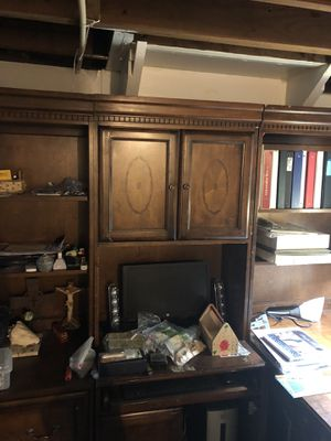 Large bookshelves and desk for Sale in Mount Clemens, MI