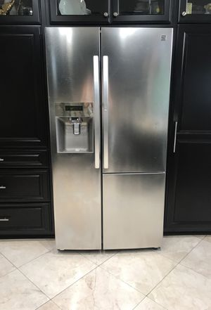 Kenmore fridge/freezer for Sale in Hawthorne, CA