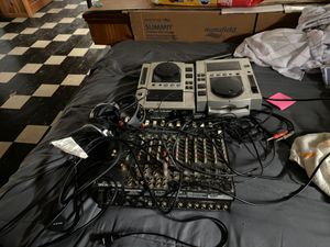 DJ equipment comes with headphones for Sale in Cicero, IL