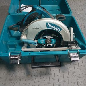 Makita Circular Saw Used It Once for Sale in Ramona, CA