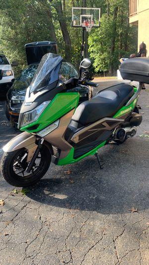 150cc scooter 2019 for Sale in Wheaton, MD