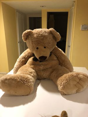 Large Cuddly Teddy Bear for Sale in Palmdale, CA