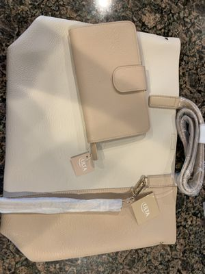 Brand new large Ulta tote bag and wallet. Comes from a non smoking home pick up winter haven for Sale in Winter Haven, FL