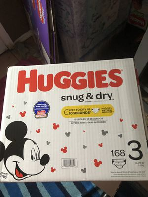 HUGGIES LITTLE SNUGGLERS 168 DIAPERS SIZE 3 LARGE BOX for Sale in Tacoma, WA