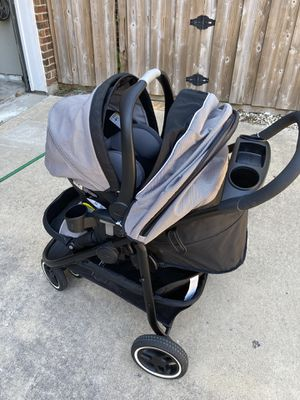 Graco Snugride 35 Modes 3 Lite xt Carrier, Stroller, two car bases and umbrella stroller for Sale in Rowlett, TX