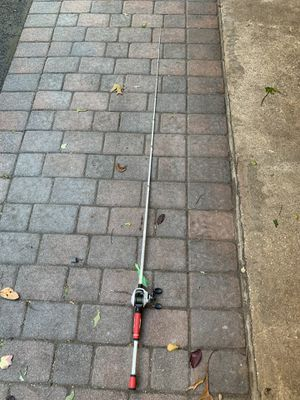 Quantum accurist pole and reel, medium heavy action(7ft). for Sale in Commack, NY