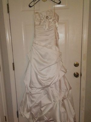 Maggie Sottero Wedding Dress for Sale in Greenville, NC