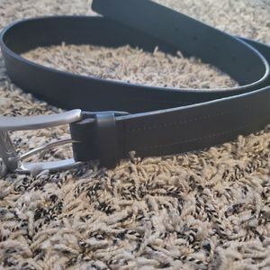 Mens Black Hugo Boss Leather Belt, Like New Condition Located In Yorba Linda for Sale in Yorba Linda, CA