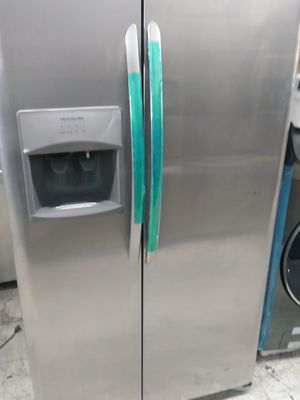 *NEW* 2019 Frigidaire side by side in stainless steel for Sale in Santa Ana, CA