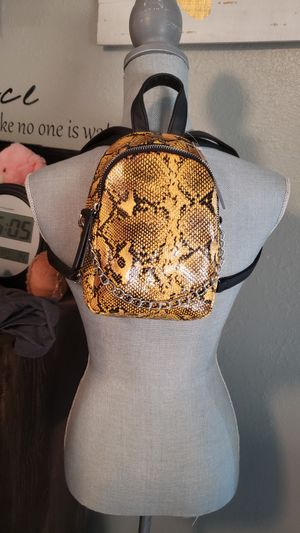 Cute backpack/crossbody purse for Sale in Round Rock, TX