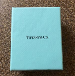 NEW - TIFFANY Diamond Key Necklace for Sale in Kyle, TX