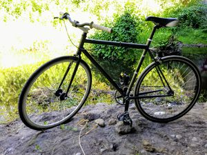 Felt Brougham single speed 52cm gray/white cruiser road bike for Sale in Kenmore, WA