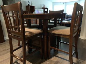 Dinning room table for Sale in Lutz, FL