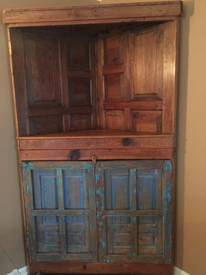 Gorgeous corner cabinet for Sale in Raleigh, NC
