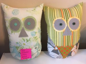 Decorative owl pillows for Sale in Wood Dale, IL
