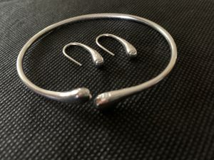 Bracelet and Earring Set for Sale in Amsterdam, NY