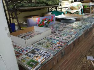 Huge chromes chrome refractors special edition 1/1 1967-2019 BASEBALL AND FOOTBALL CARDS IN MINT AN IN SLEEVES for Sale in Murfreesboro, TN