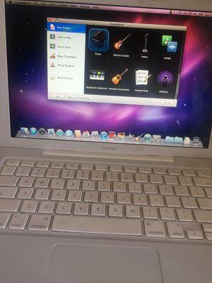 09 white MacBook 2ghz batteries need replacing $99 each $180 (2) $275(3) for Sale in Riverside, CA