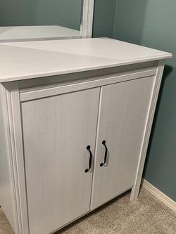 White Dresser for Sale in Bellevue,  WA