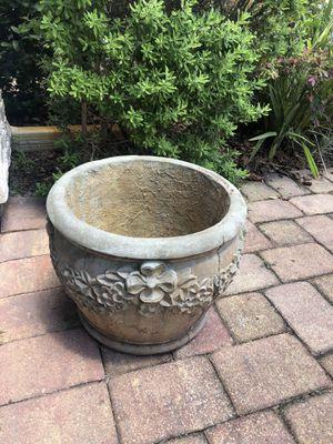 "Concrete 15"" Flower Pot for Sale in DeLand, FL"