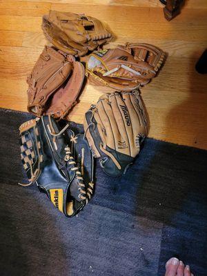 Baseball gloves for Sale in Swedesboro, NJ