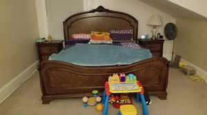 King size Bedroom set with 2 Nightstands, Chest & Dressing Table for Sale in Kirklyn, PA