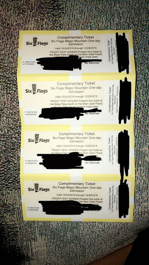 SIX FLAGS + FRIGHT FEST TICKETS for Sale in Lynwood, CA