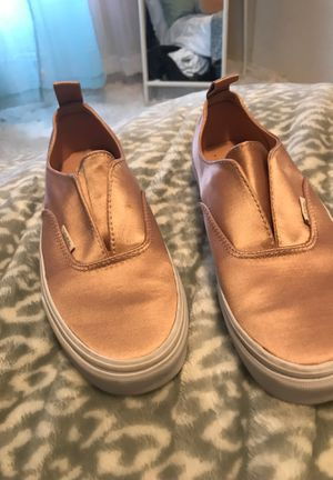 Cute pink satin vans (not dirty the lighting on fabric ) for Sale in San Jose, CA