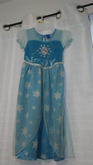 Princess Elsa dress for Sale in Nuevo, CA