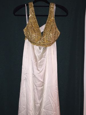 White Evening Gown Size 0 for Sale in North Bethesda, MD