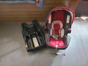 Car seat for Sale in Pleasant Hill, IA