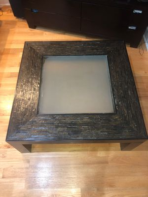Textured Coffee Table with matching consol table! for Sale in Glenview, IL