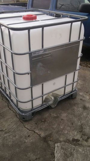 230 gallon ibc containers for sale for Sale in Detroit, MI
