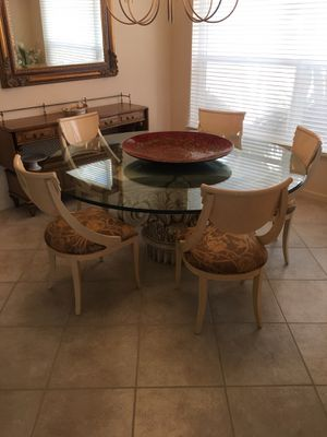"""Glass 72"""" round beveled edge Dining room or kitchen table with chairs for Sale in Boynton Beach, FL"""
