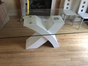 White modern Kitchen table for Sale in Jackson Township, NJ