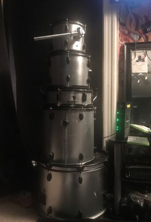 5 piece drum set for cheap for Sale in Jennings, MO