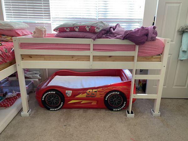 TODDLER KIDS LIGHTING MCQUEEN RACE CAR BED WITH MATTRESS