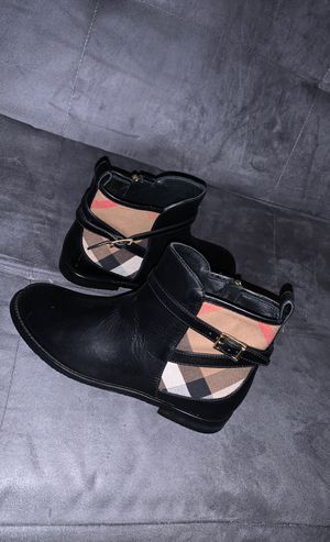 Burberry ankle Richardson boots size 3 girls for Sale in Philadelphia, PA