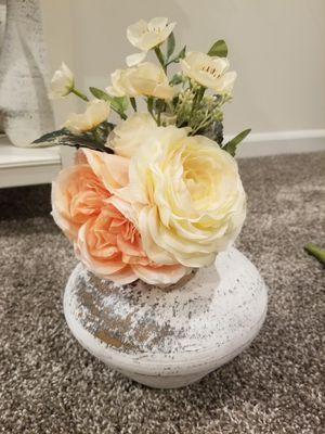 Faux flower bouquet for Sale in Elgin, IL
