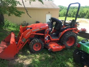2017 Kubota low hours and accessories for Sale in Mapleton, IL
