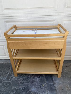 Maplewood changing table with pull out drawers and shelves. $30 measurements 35L by 19 W 5 36H. for Sale in Long Beach, CA